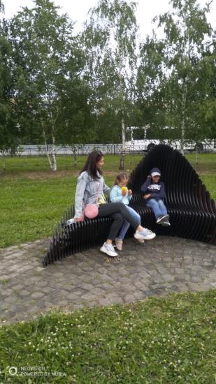 Детки гуляют ,лето , каникулы)