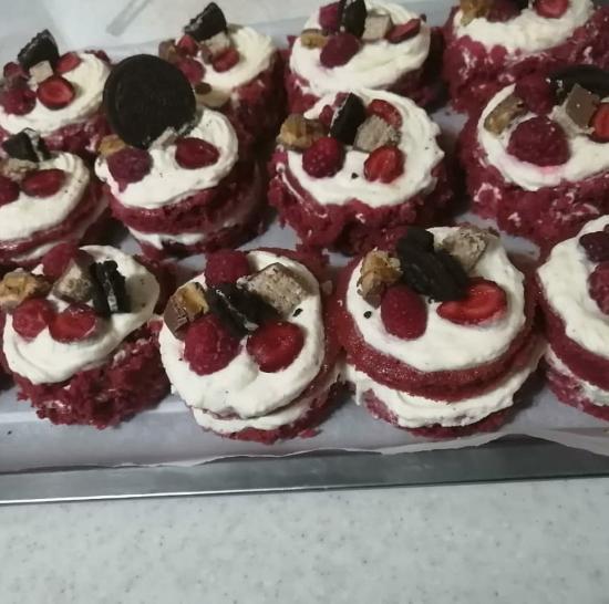 Мои пироженки красный бархат