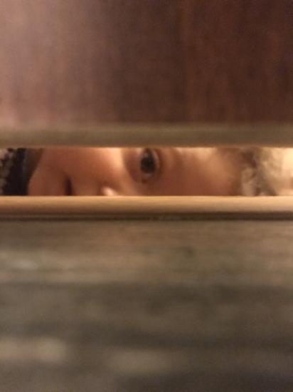 Сидишь в туалете, а за тобой наблюдают