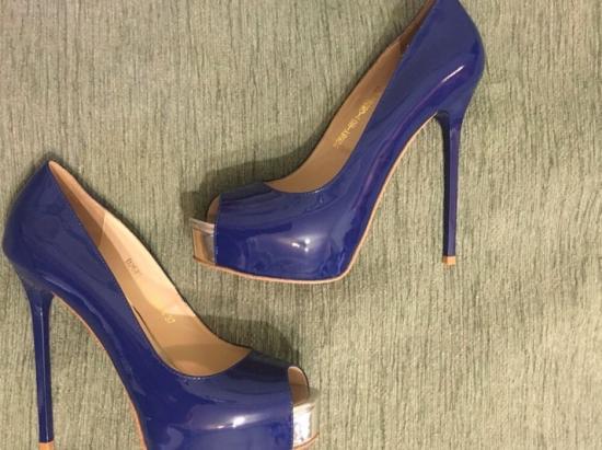 Продам новые туфли Miraton ,ни