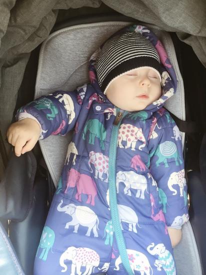 ребёнок перестал спать на улице