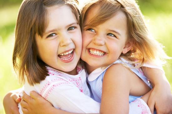 У кого две дочки с разницей 2-2,5
