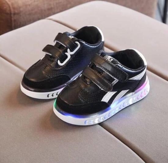 Девчонки продаю кросы , новые заказала