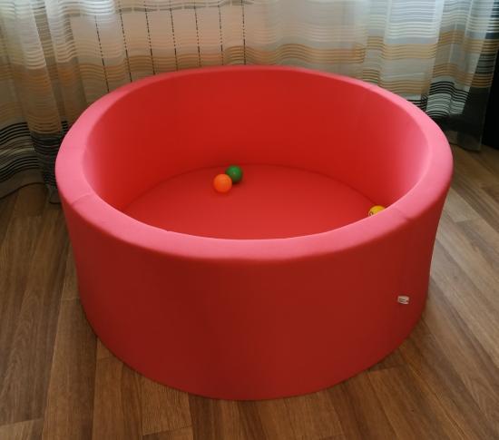 Продам сухой бассейн для игр малышей