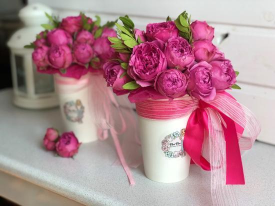 Пионовидные розы Мисти Баблс, очень