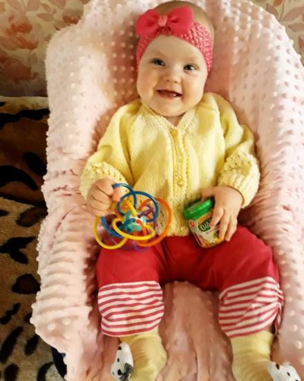 кофточки желтая  на фото 3-6 месяцев