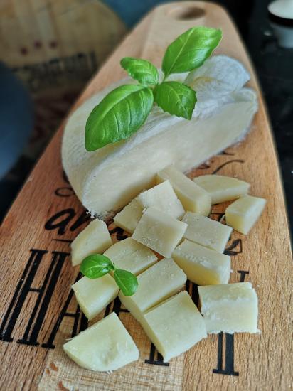 Панир - домашний индийский сыр.