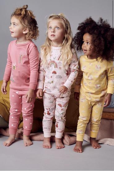 Девочки, подскажите , такие пижамки