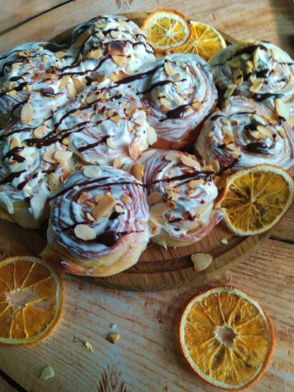 Апельсиновые синнабон 🍊 Девочки,кто
