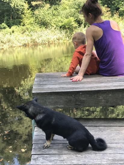 Сидим мы на озере, релаксирует