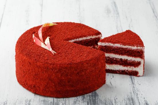 Девочки, кто сам пёк торт Красный